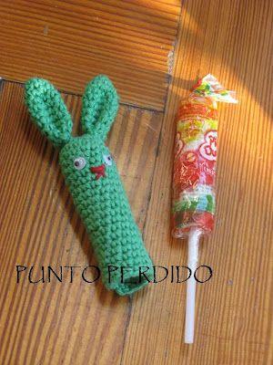 Conejo Amigurumi Títere de Dedo - Patrón Gratis en Español  aquí: http://puntoperdido.blogspot.com.ar/2012/03/idea-pascual.html