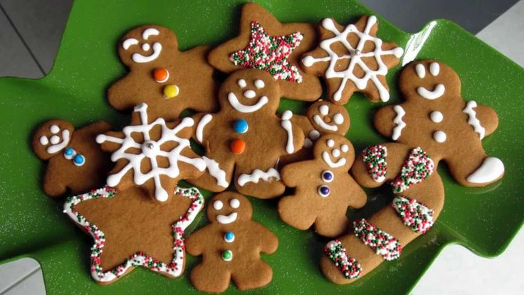 Don't let a dirty oven ruin your Christmas gingerbread cookies. Book our oven cleaning service from £60 minimum and enjoy the ho-ho-holiday!