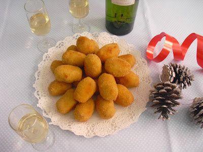 Croquetas de calabacín, queso y nueces.