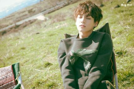 """Young Forever"" Big Hit (naver uploads) #bts #방탄소년단 #jungkook #전정국 More pictures ⇨ http://m.entertain.naver.com/read?oid=420&aid=0000002949"