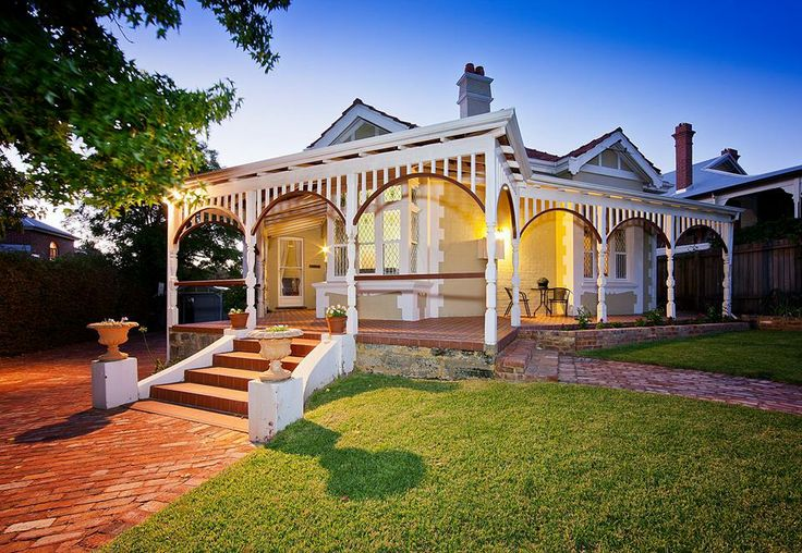 Built at the turn of the last century in 1905, Tungamah is one of East Fremantle's grand old homes #freo #fremantle #realestate #perth
