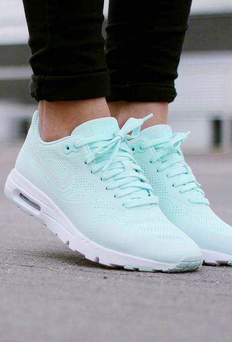This is the first time I bought so cheap but good quality Nike shoes, the shoes of this website is really good.Just $19.