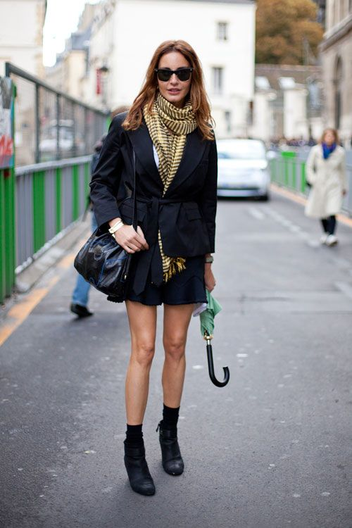 STREET STYLE SPRING 2013: PARIS FASHION WEEK - Takeaway tip: Tuck your scarf into your jacket belt to make the volume less overwhelming.