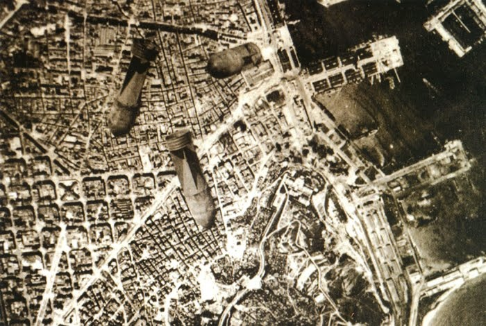 Bombardment of Barcelona in 1938 by the Italian air-force during the Spanish Civil War. #Spain #war: Civil Wars, Bombs, Cat Barcelona, Spanish Civil, Earthl Warriors, Spanish Civil, War Ii, Spain War, Barcelona