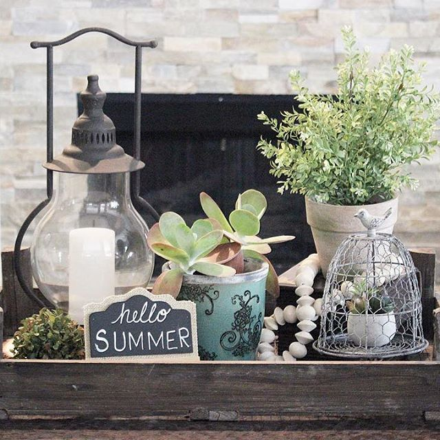 Summer farmhouse coffee table vignette