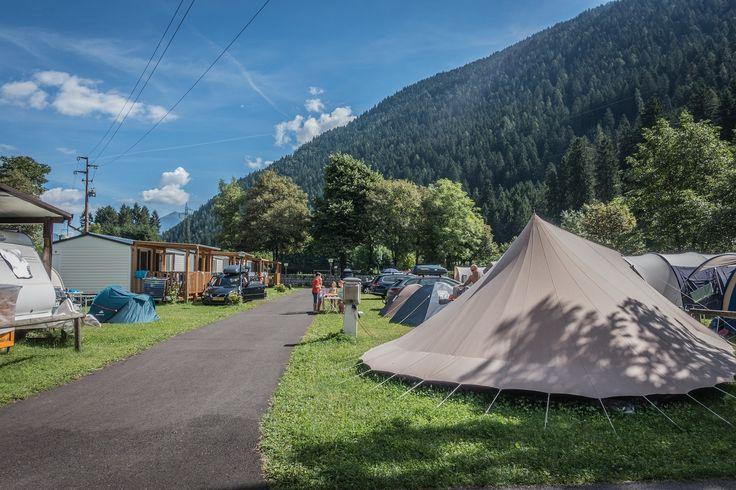 Una foto che ci pone di fronte ad un dilemma: com'è più bello vivere il #campeggio? In #tenda o casa mobile? :) :D Voi che dite?   What's the best way of living the #campsite? #Tent or mobile home? What do you say? :) :D  #takeyourtime #valrendena #camping #campingplatz #trentino #dolomiti #dolomites #dolomiten #dolomieten #campiglio