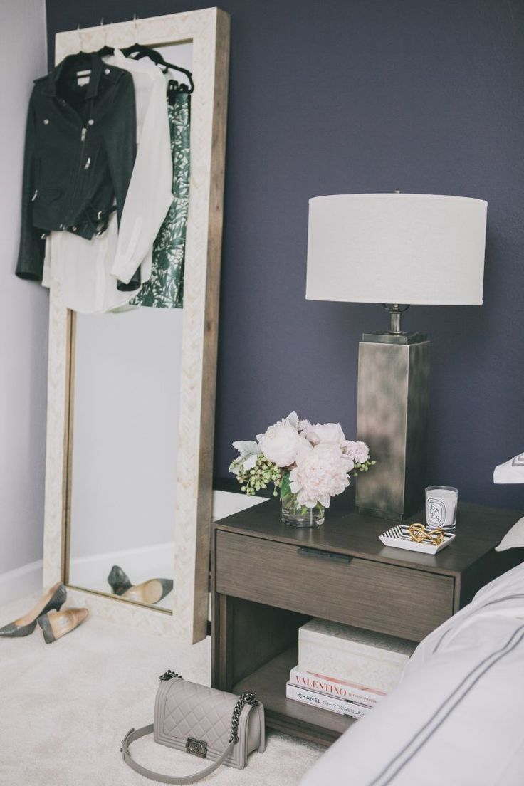 Dark purple wall paint - Best 25 Dark Purple Walls Ideas On Pinterest Purple Bedroom Walls Purple Accent Walls And Purple Wall Paint