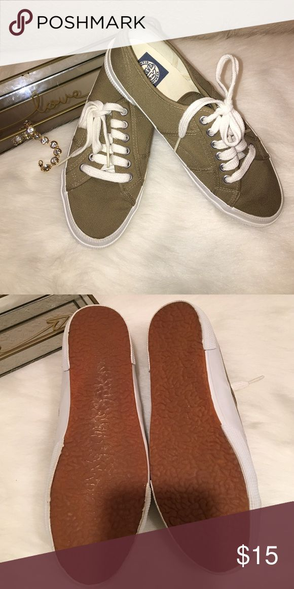 Gap shoes Vintage Gap Shoes. Comes with original box!! 😀 Worn twice (if that). 💟 GAP Shoes Sneakers