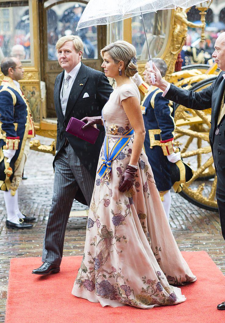 Prinsjesdag 2015: Jan Taminiau's zijden organza japon voor koningin Máxima geïnspireerd op Japanse kamer Huis Ten Bosch