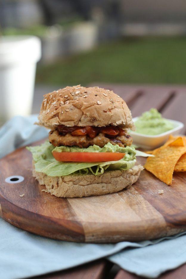 Kipburger met guacamole   Gezonde hamburger   Taste Our Joy!