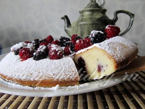 Пирог с ежевикой в мультиварке