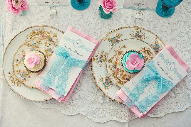 Tea PartiesPink Wedding, Tables Sets, Turquoise, Bridal Shower Ideas, Vintage Teas, Tea Parties, Cake Plates, Teas Parties, Baby Shower
