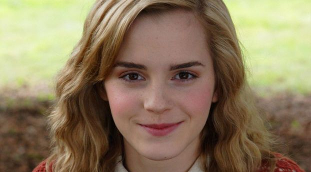 Emma Watson Smile Red Look