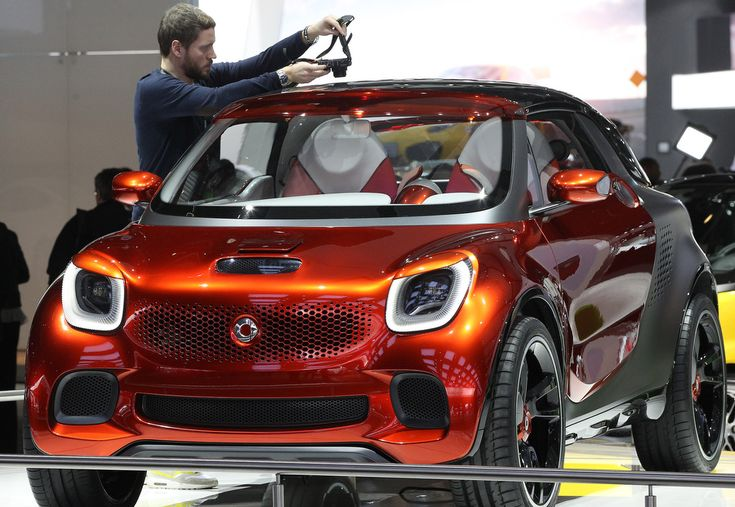 The Smart Car concept called Forstars, has a glass roof that allows you to see the stars.  #naias