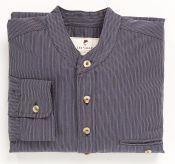 Vores dejlige #bondrøvsskjorte - 4 mønstre og 5 størrelser. Mon ikke der også er en skjorte til dig? #bonderov #tibberuphoekeren #bonderøv #traditionelttøj #historisktøj #vintagetøj #vintageshirt #vintagestyle