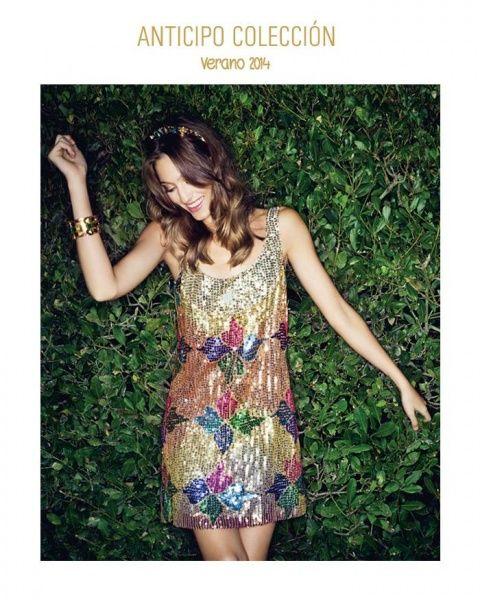 Vestido corto bordado con lentejuelas de colores By Cambac Verano 2014