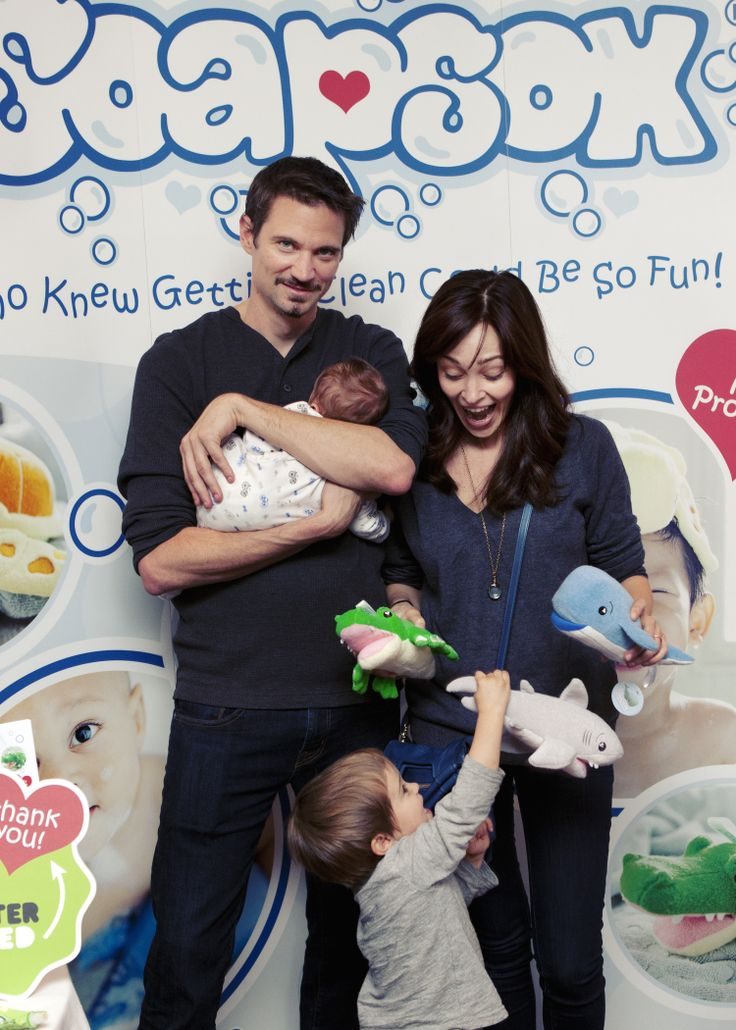 Autumn Reeser and her husband Jesse Warren meet the SoapSox family! Order your own #SoapSox now at www.soapsoxkids.com! #SoapSox #Celebrities #TheOC