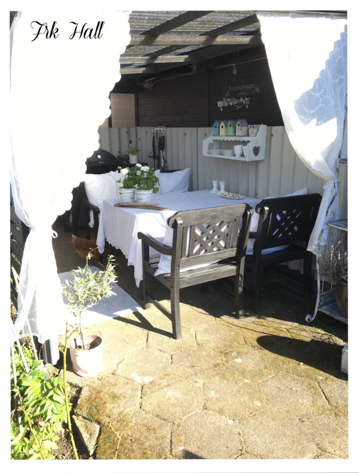 My old romantic shabby chic shed, outdoor cottage