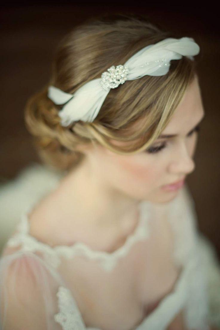 Bruiloft, Bruidskapsel,Tiara, Diadeem, bruidssieraden, swarovski, bandana, haarband, haarsieraad, trouwjurken, www.sayyestothedress.nl