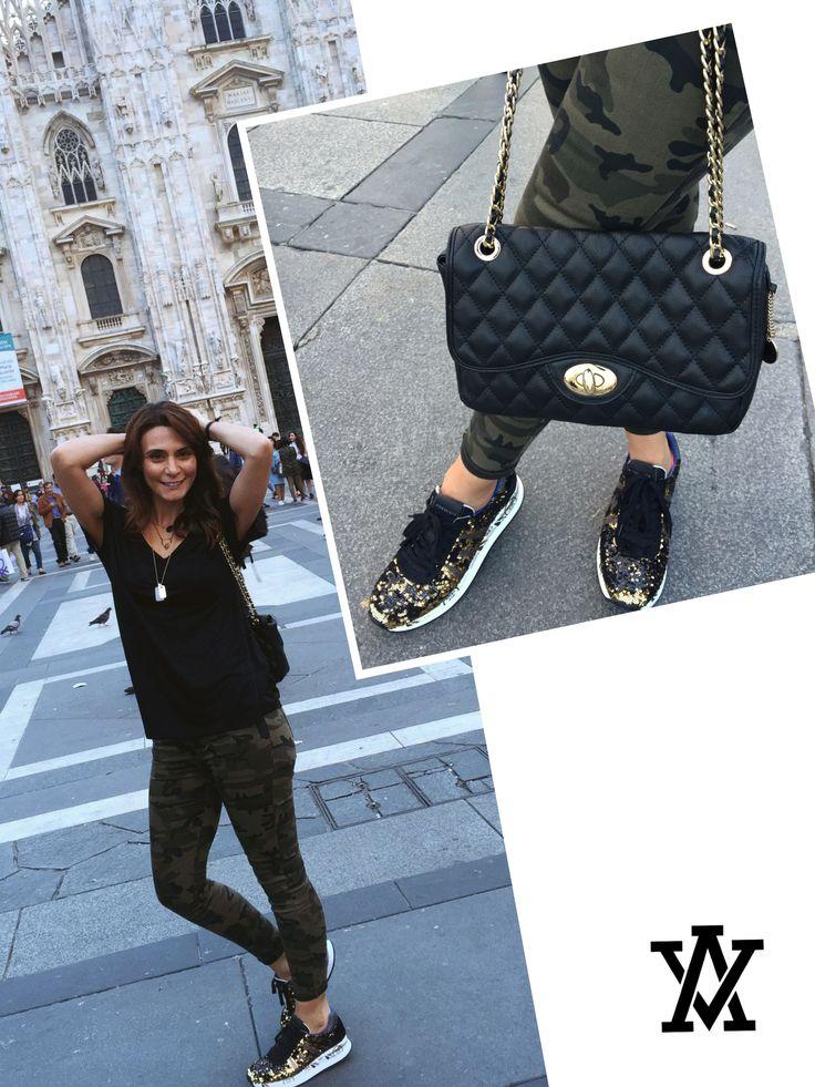 Italian leather handbags  Code: SICILA-GIO GRANDE black shoponline➡️www.adelevian.com