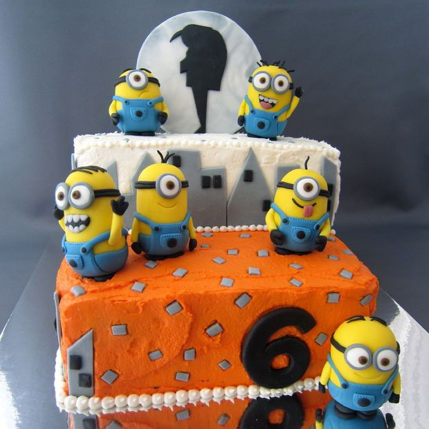 Despicable me minion cake. So creative. Site includes pictures and instructions for fondant minions