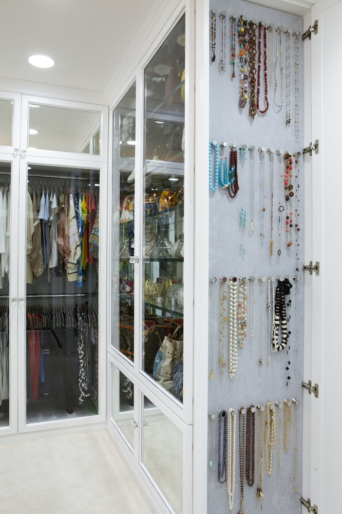 10 Tips For A Perfectly Organized Closet (VIDEO)