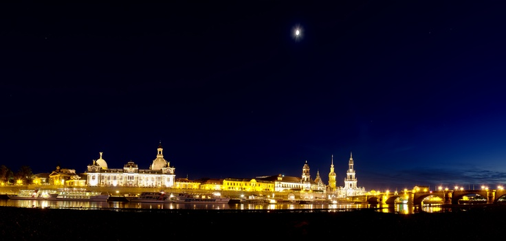beautiful panorama of Dresden by lensviews.de