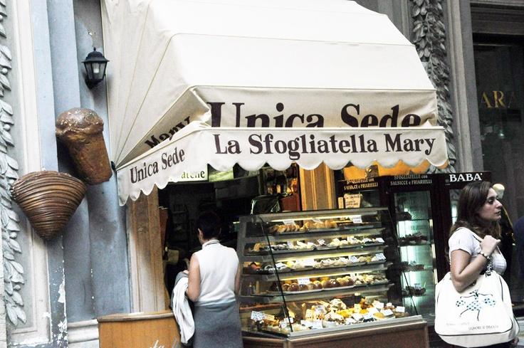 Napoli - Pasticceria La Sfogliatella (Luxirare)