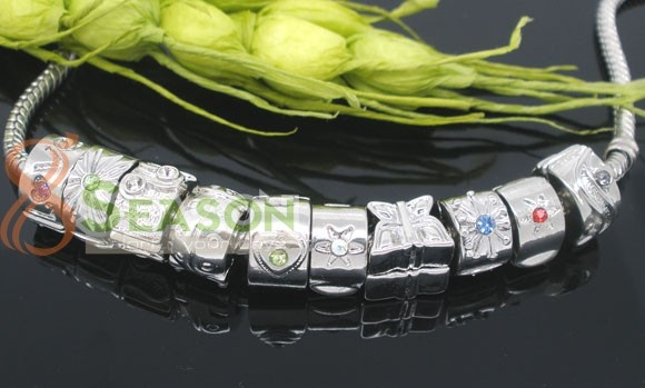 Maybe the most complete Pandora style Clip Beads