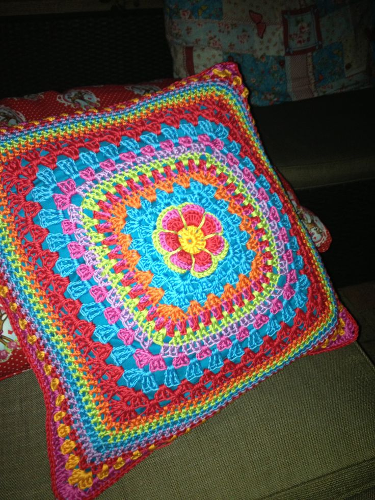 Gehaakte kussen - crochet cushion