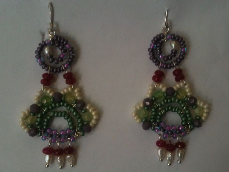 Earrings jewelry with natural pearls and ...