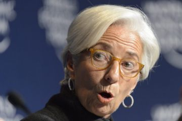 """O desabamento do preço do petróleo está criando situações de """"severo estresse"""" em alguns países emergentes. É algo que leva Christine Lagarde a admitir publicamente sua preocupação. O receio de Christine Lagarde é que as tensões atuais provoquem o incremento da desigualdade, do protecionismo e do populismo."""