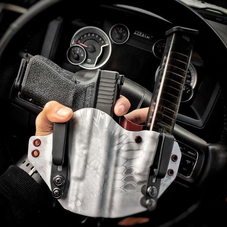 Dream setup /// #slingersclub . Via @rxm86 Because zombies... @etsgroup extended glock mags  @defensemk  #pewlife #glock19 #etsmags #edc #everydaycarry #loadedandsafe #lasconcealment #hashtagtical #glockporn #firearmphotography #g19 #kryptek #appendixcarry #operator #pog
