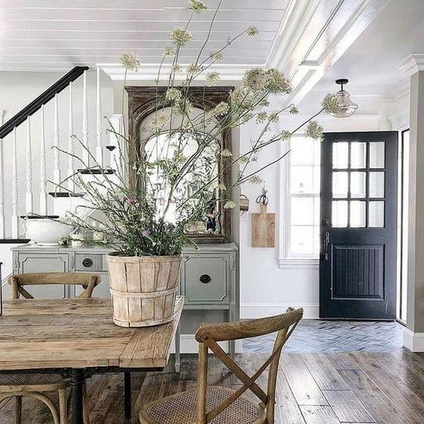 Rustic Vintage Farmhouse Decor In 2020 Farmhouse Chic Dining Room Farmhouse Decor Vintage Farmhouse Decor