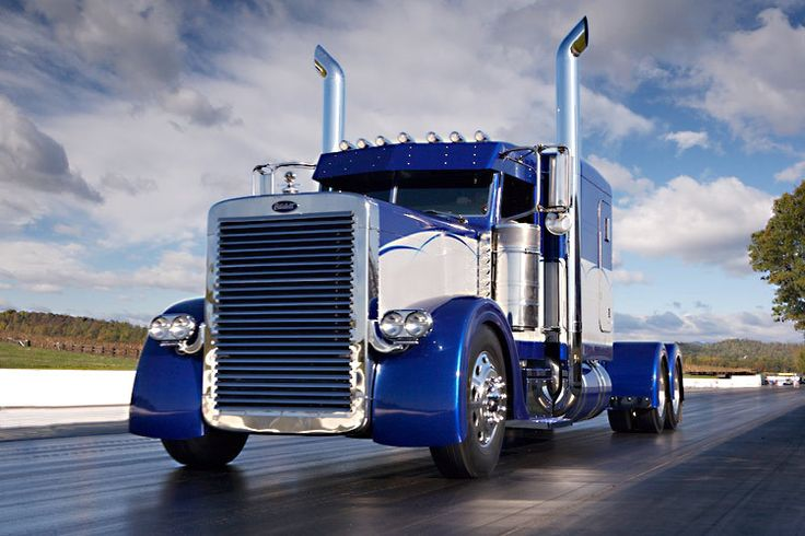 Custom Peterbilt at the 3rd Annual Large Car Mag truck show   American Rigs on Location
