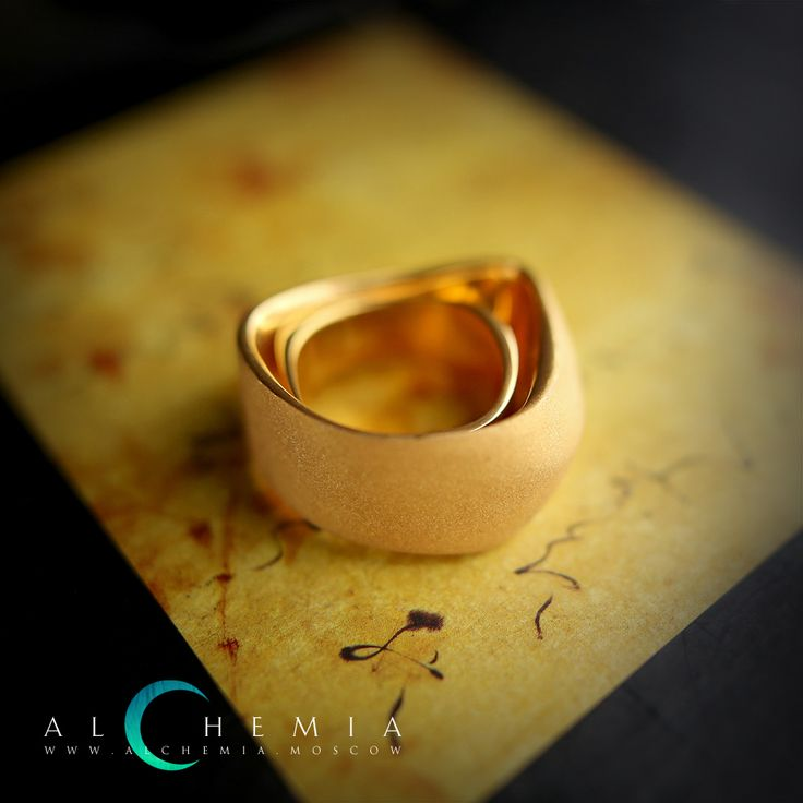The Duplicate ring. Gilded silver. Handmade by Alchemia Jewellery.
