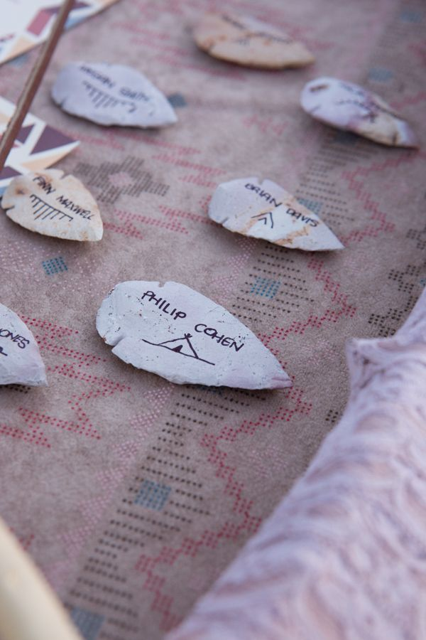 """point"" guest to their seats with arrow head escort cards. #arrowhead #nativeamerican #fallwedding"