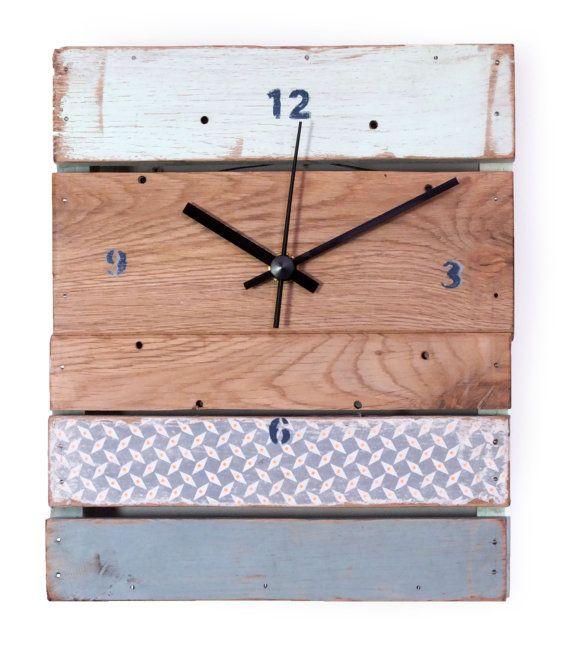 Horloge bois  bleu gris / vert menthe à l'eau / par 56Phalanges  cacophoniedobjets.wix.com/56phalanges www.legrandbassin.fr