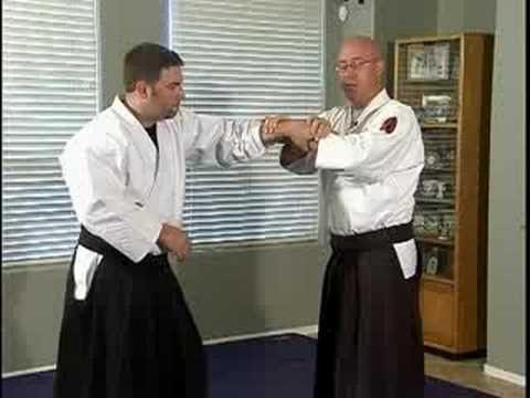 Aikido Basic Techniques : Katate Tori Hantai Nikyo