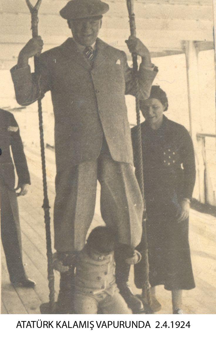 Mustafa Kemal Atatürk is at Kalamış Steamship (02.04.1924)