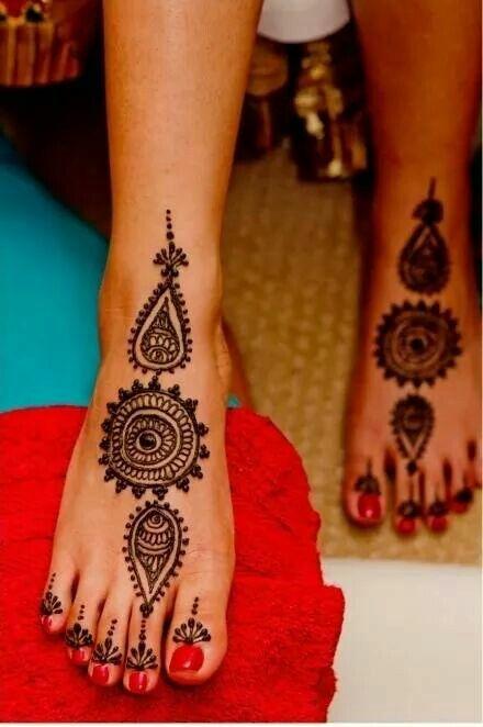 Henna foot print