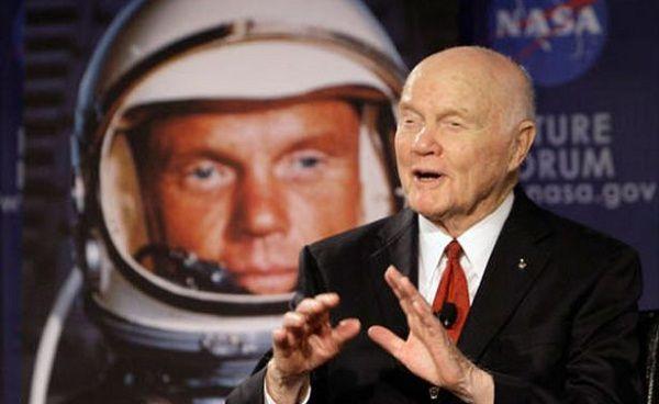 Muere el primer astronauta de EU