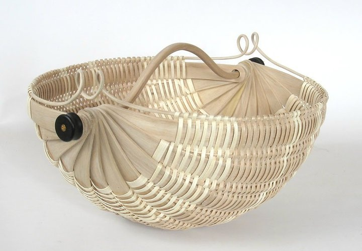 Love the curves of this oak ribbed basket