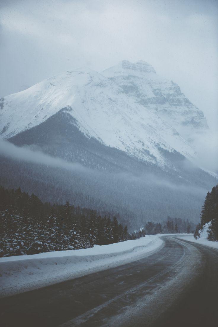 Gmail mountain theme background -  Tasha Marie Canada