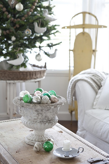 vintage ornaments - simple and pretty