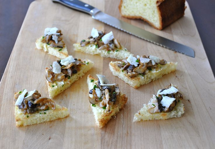 Sauteed Mushrooms on Buttered Chive Toast - charlie brown thanksgiving ...