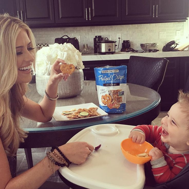 See what HGTV Flip or Flop star Christina El Moussa eats in a day -- including some of her favorite recipes and meal-prep tips!