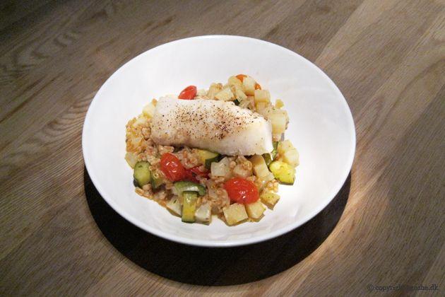 EGOSHE.dk - En madblog med South Beach opskrifter og andet godt...: Torsk på bund af perlespelt, selleri, squash og to...