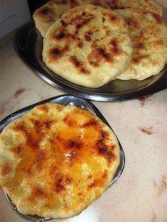 Τυροπιτούλες ψητές στο τηγάνι χωρίς λάδι!!!    Μία συνταγή μοναδική για τυροπιτάκια με λίγες θερμίδες, ελάχιστα και απλά υλικά.           ...