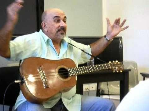 Clase magistral de técnicas de improvisación con el Tres cubano en Las Palmas de Gran Canaria en Junio de 2009 por el maestro Pancho Amat. Siempre bienvenido...